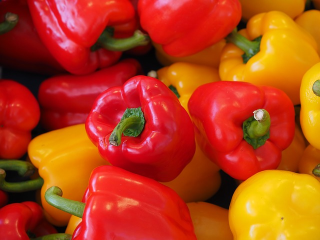 sweet-peppers-499068_640